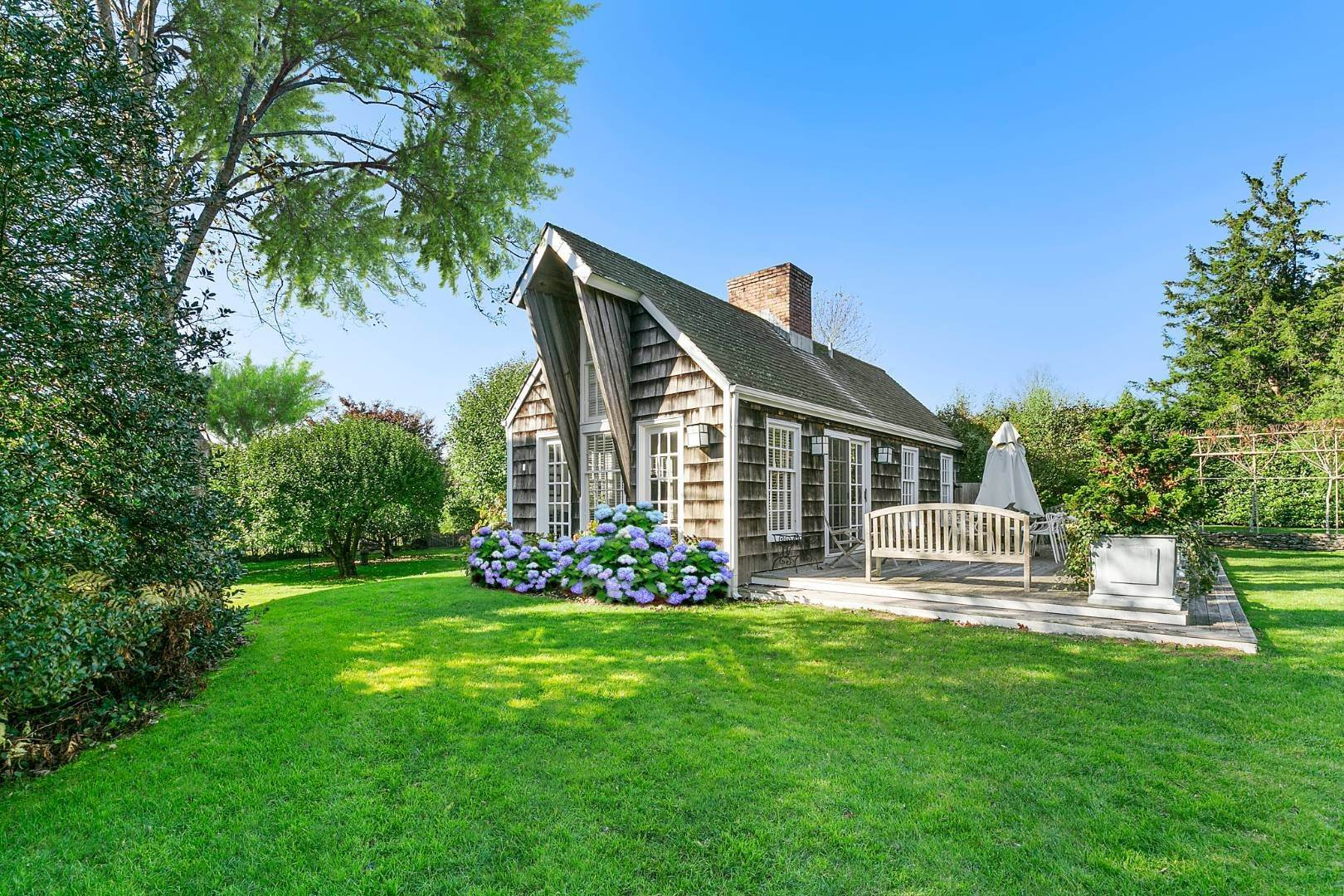 16. Single Family Home at Sagaponack South - Close To The Beach Sagaponack Village, NY 11962