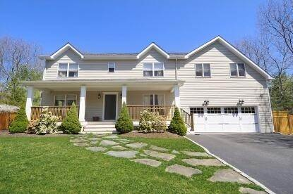 Single Family Home at Spacious Rental In The Northwest East Hampton, NY 11937