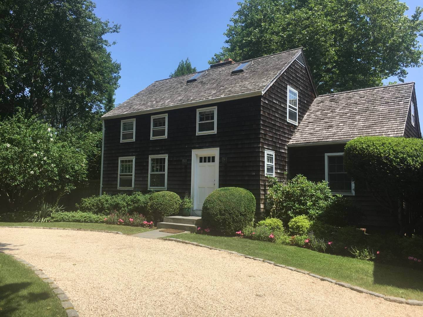 5. Single Family Home at Charming Lanes Cottage Amagansett, NY 11930