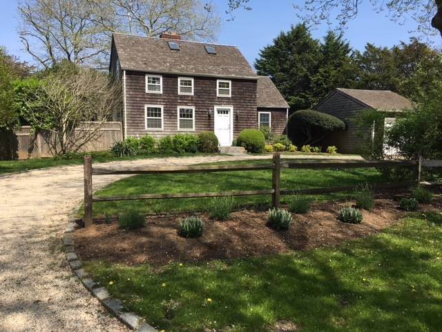 Single Family Home at Charming Lanes Cottage Amagansett, NY 11930