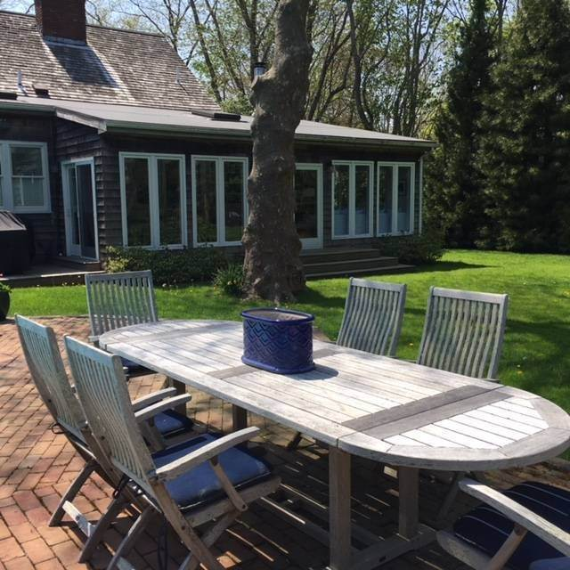 21. Single Family Home at Charming Lanes Cottage Amagansett, NY 11930