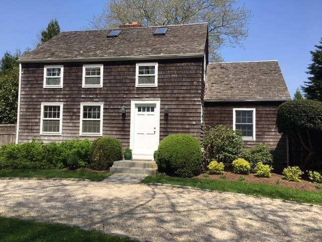 3. Single Family Home at Charming Lanes Cottage Amagansett, NY 11930