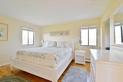 8. Single Family Home at Bridgehampton Close To Ocean Bridgehampton, NY 11932