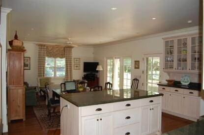 7. Single Family Home at On A Private Lane East Hampton, NY 11937