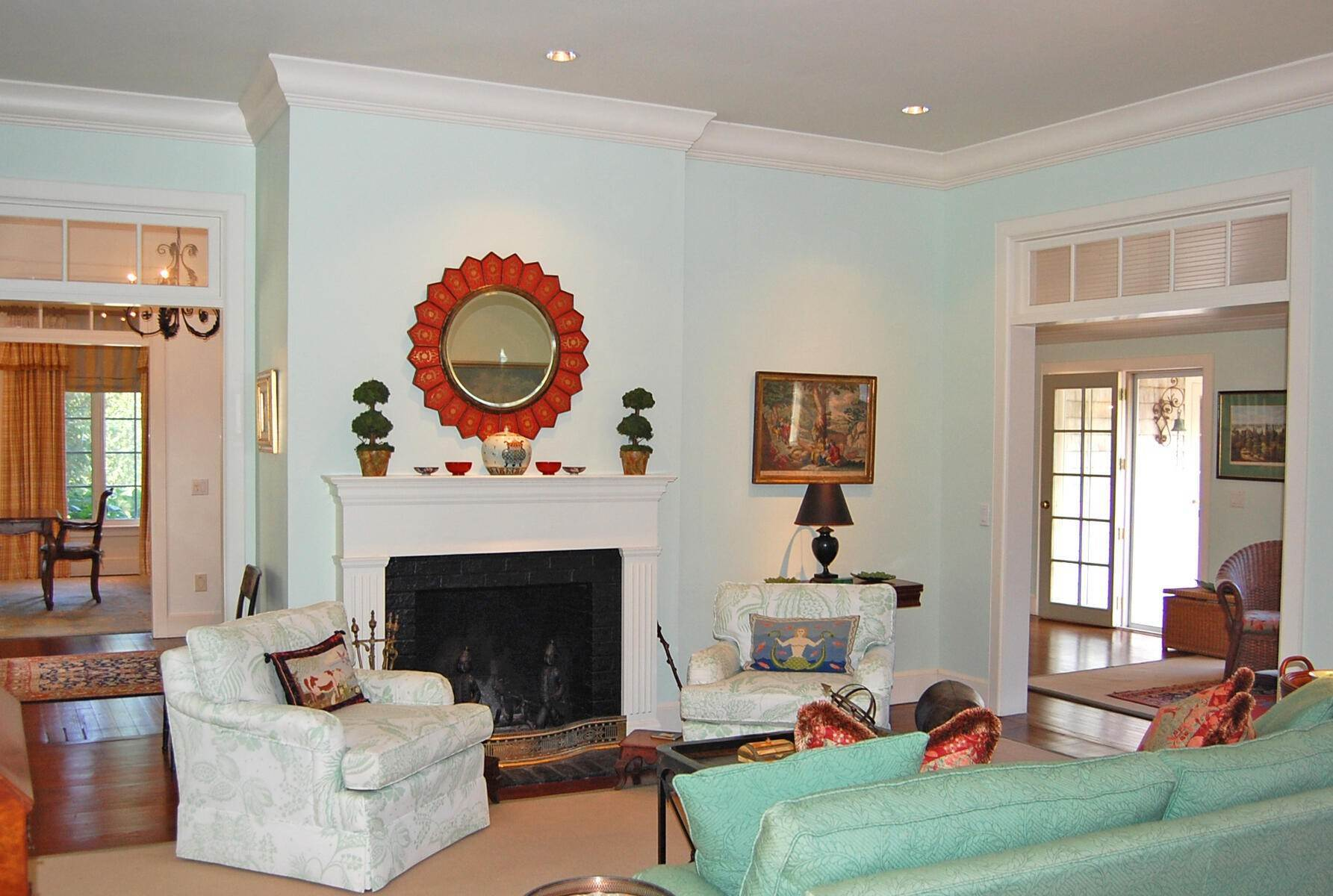 4. Single Family Home at On A Private Lane East Hampton, NY 11937
