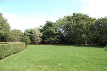 2. Single Family Home at On A Private Lane East Hampton, NY 11937