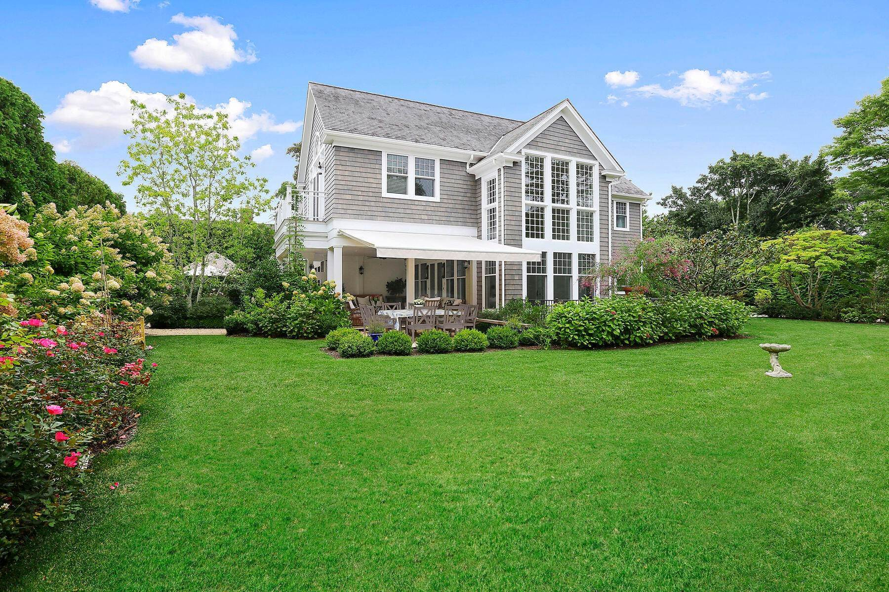 5. Single Family Home at Stunning In East Hampton Village South East Hampton, NY 11937