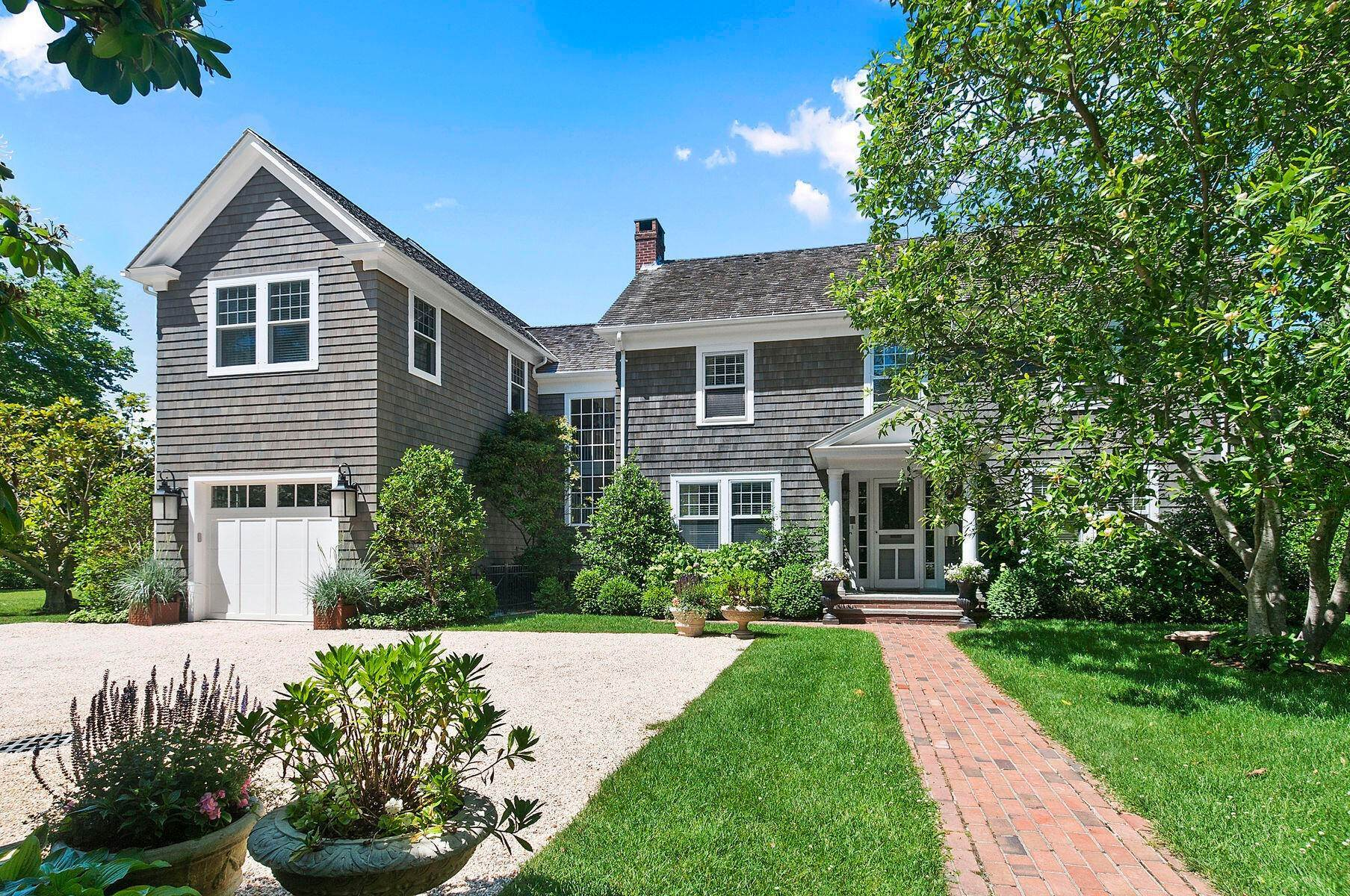 6. Single Family Home at Stunning In East Hampton Village South East Hampton, NY 11937