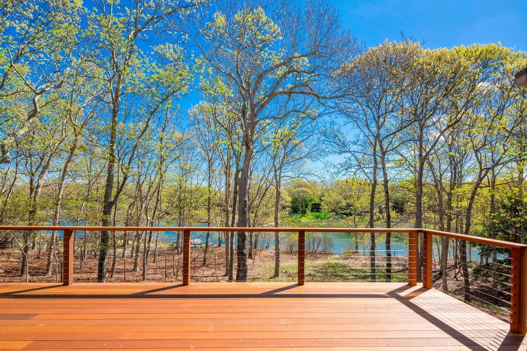 20. Single Family Home at Lions Head Waterside Pool East Hampton East Hampton, NY 11937