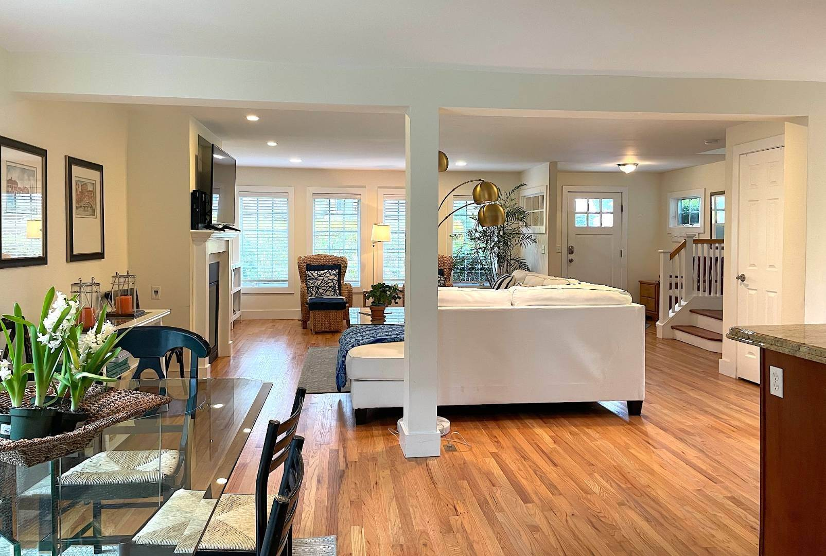 5. Single Family Home at Year Round Or Summer Southampton Village Southampton, NY 11968