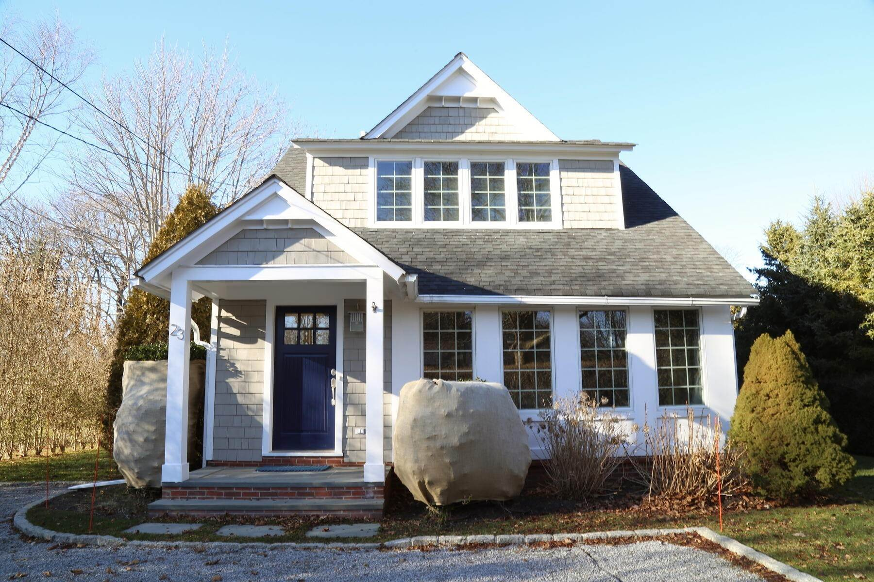 Single Family Home at Year Round Or Summer Southampton Village Southampton, NY 11968