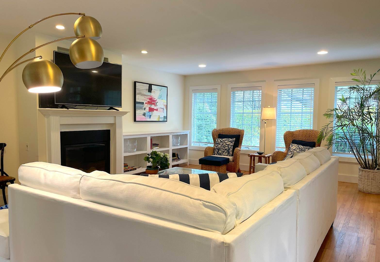 6. Single Family Home at Year Round Or Summer Southampton Village Southampton, NY 11968