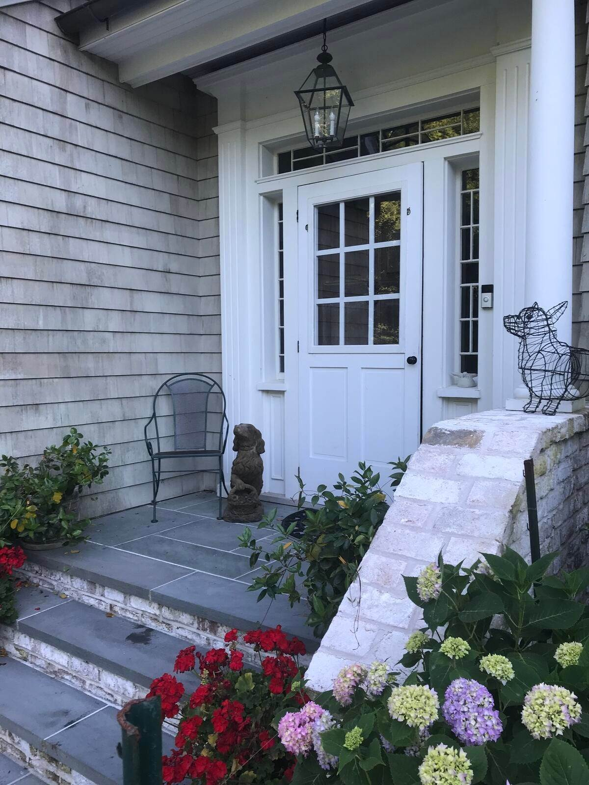 5. Single Family Home at Bay Views Of Northwest Harbor East Hampton, NY 11937