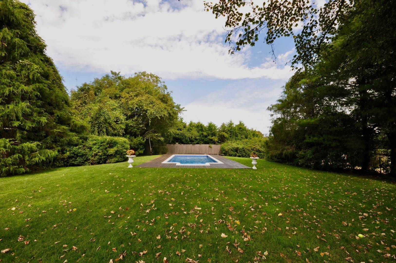 11. Single Family Home at East Hampton Near Village 28 Cedar Street, East Hampton, NY 11937