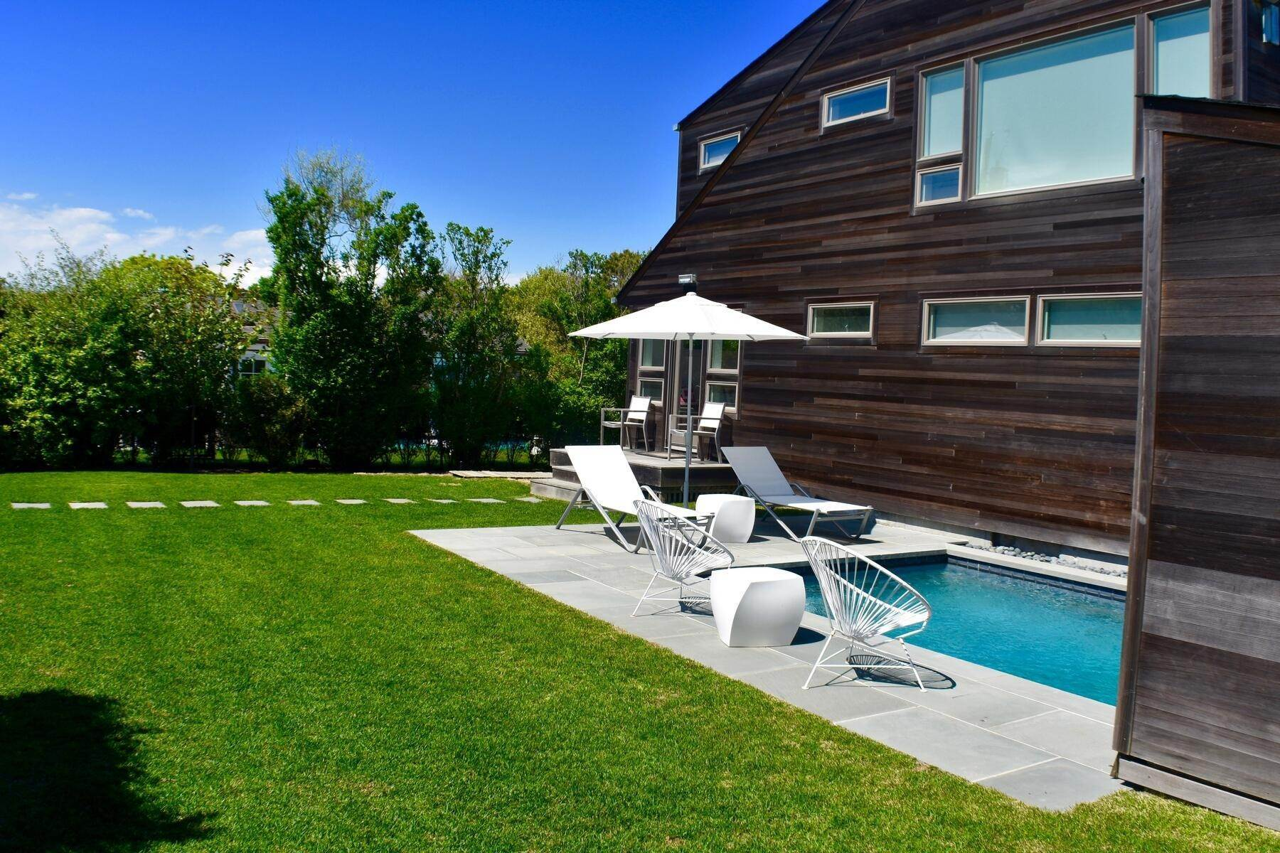 Single Family Home at Designer Decorated Modern In Dunes Amagansett, NY 11930