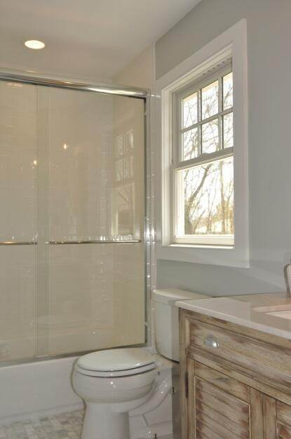 13. Single Family Home at East Hampton Village East Hampton, NY 11937