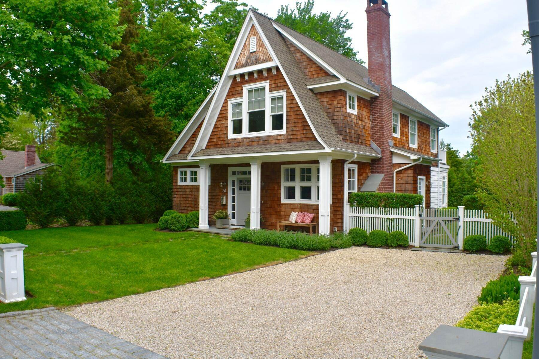 2. Single Family Home at East Hampton Village East Hampton, NY 11937