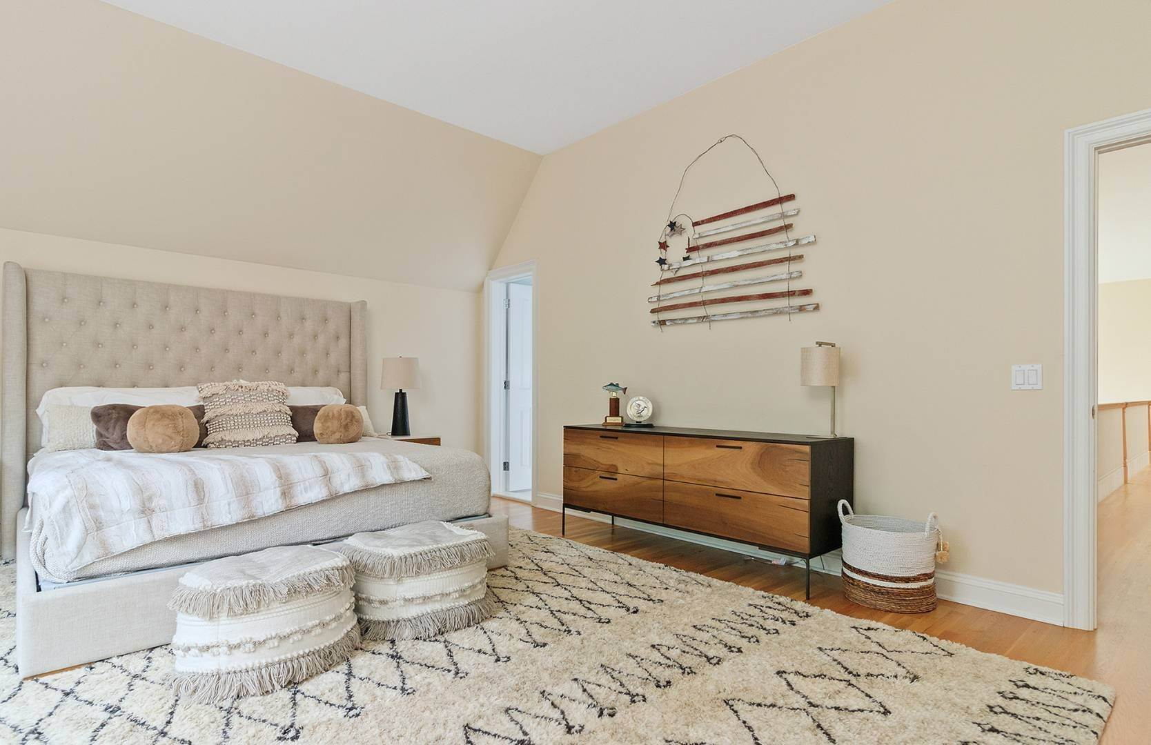 13. Single Family Home at Elegant Private East Hampton Home For Rent 34 Chatfields Ridge Road, East Hampton, NY 11937