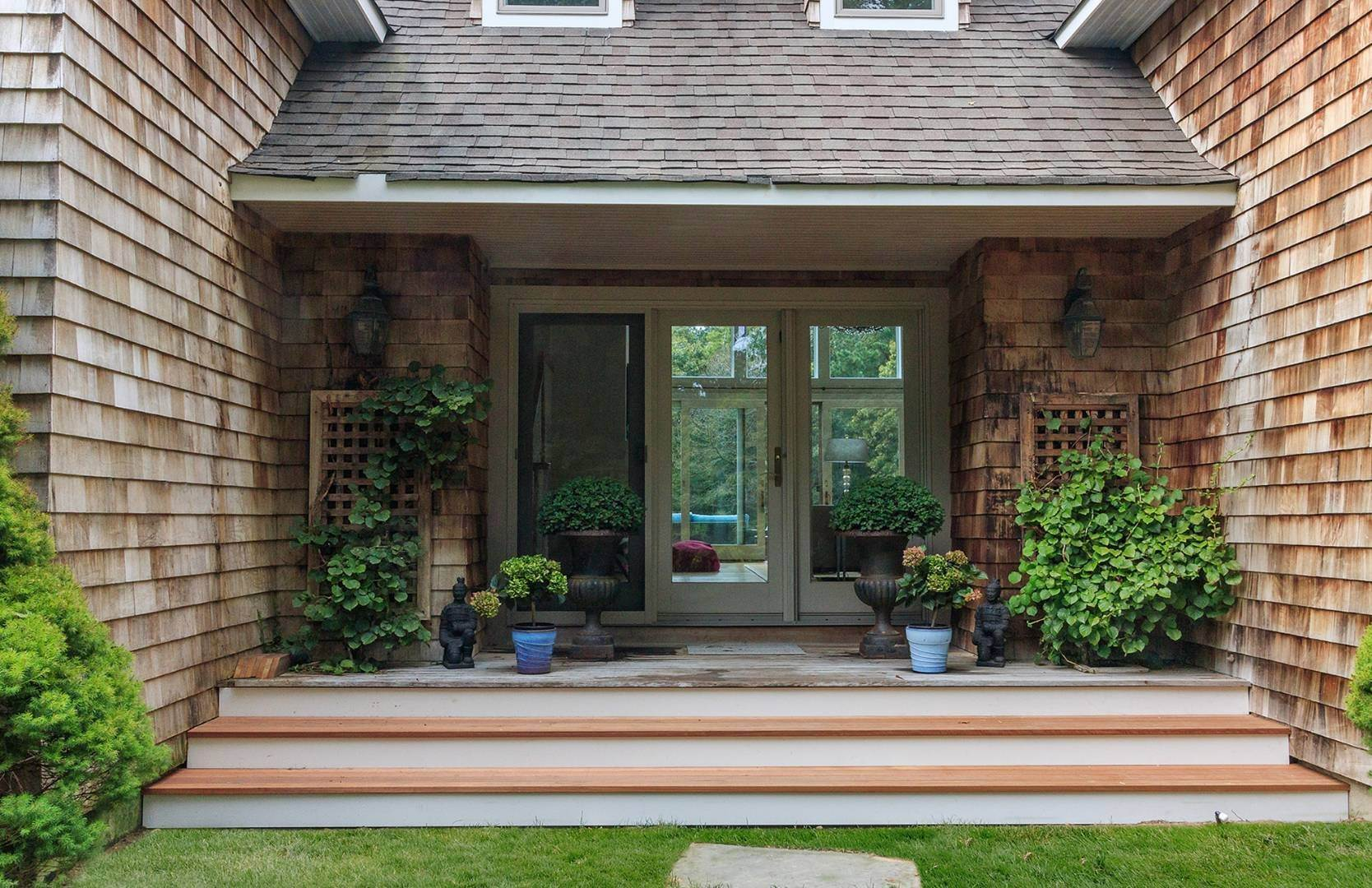 2. Single Family Home at Elegant Private East Hampton Home For Rent 34 Chatfields Ridge Road, East Hampton, NY 11937