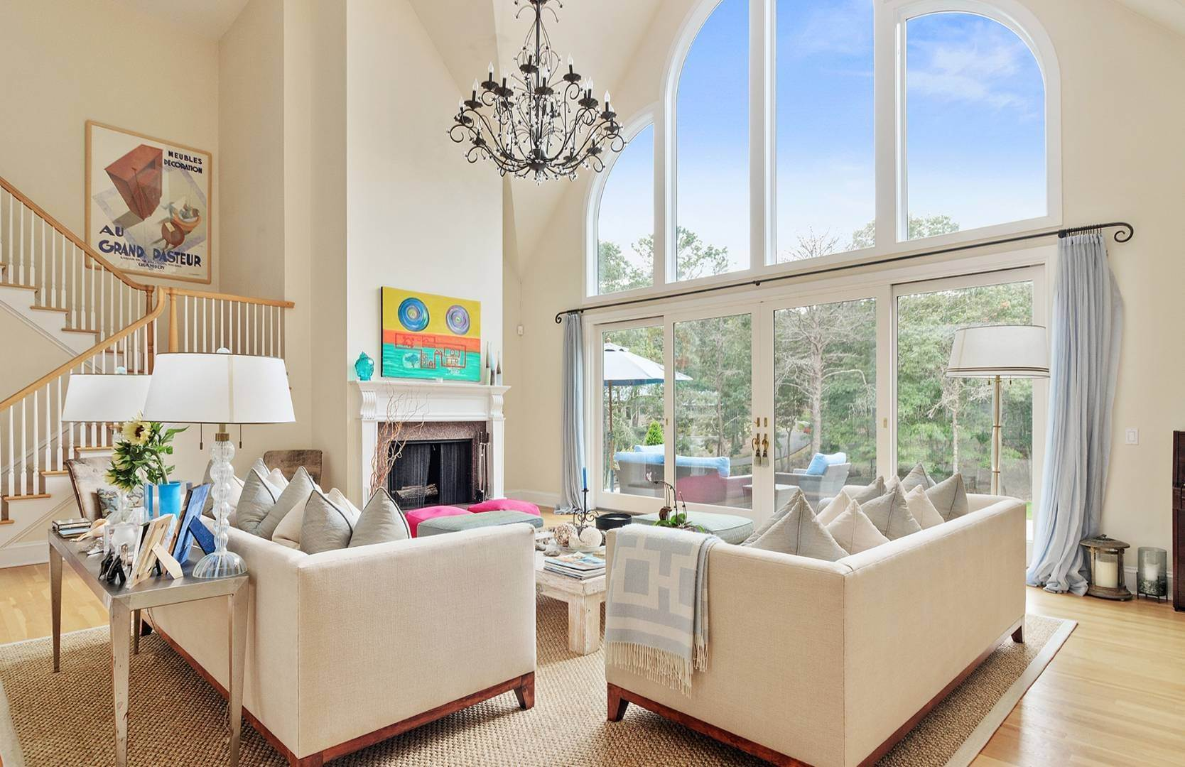 6. Single Family Home at Elegant Private East Hampton Home For Rent 34 Chatfields Ridge Road, East Hampton, NY 11937
