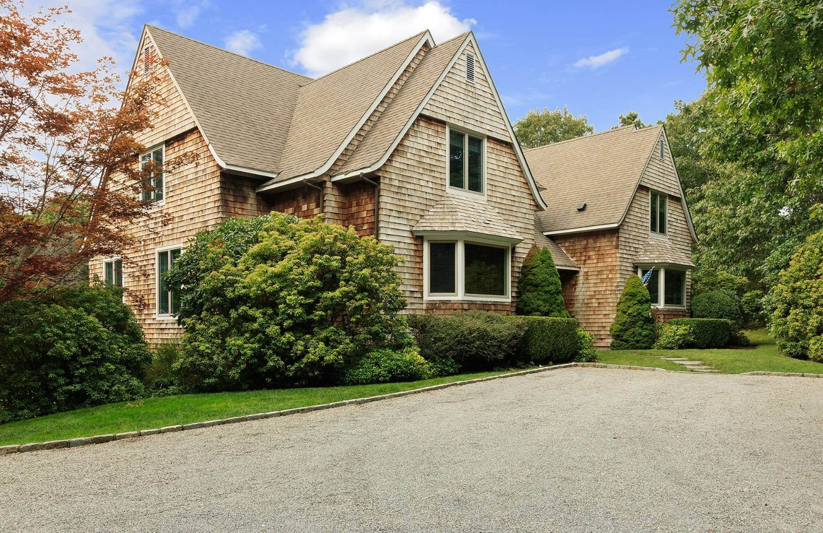 Single Family Home at Elegant Private East Hampton Home For Rent 34 Chatfields Ridge Road, East Hampton, NY 11937