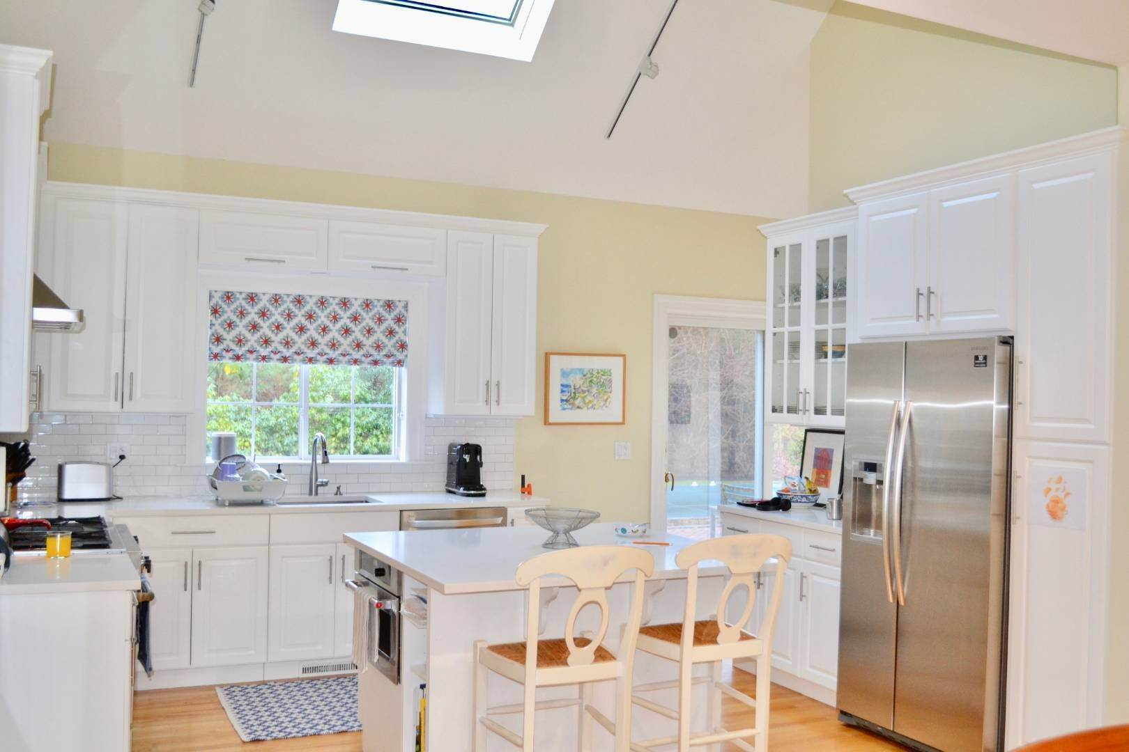 12. Single Family Home at Simply Perfect East Hampton, NY 11937