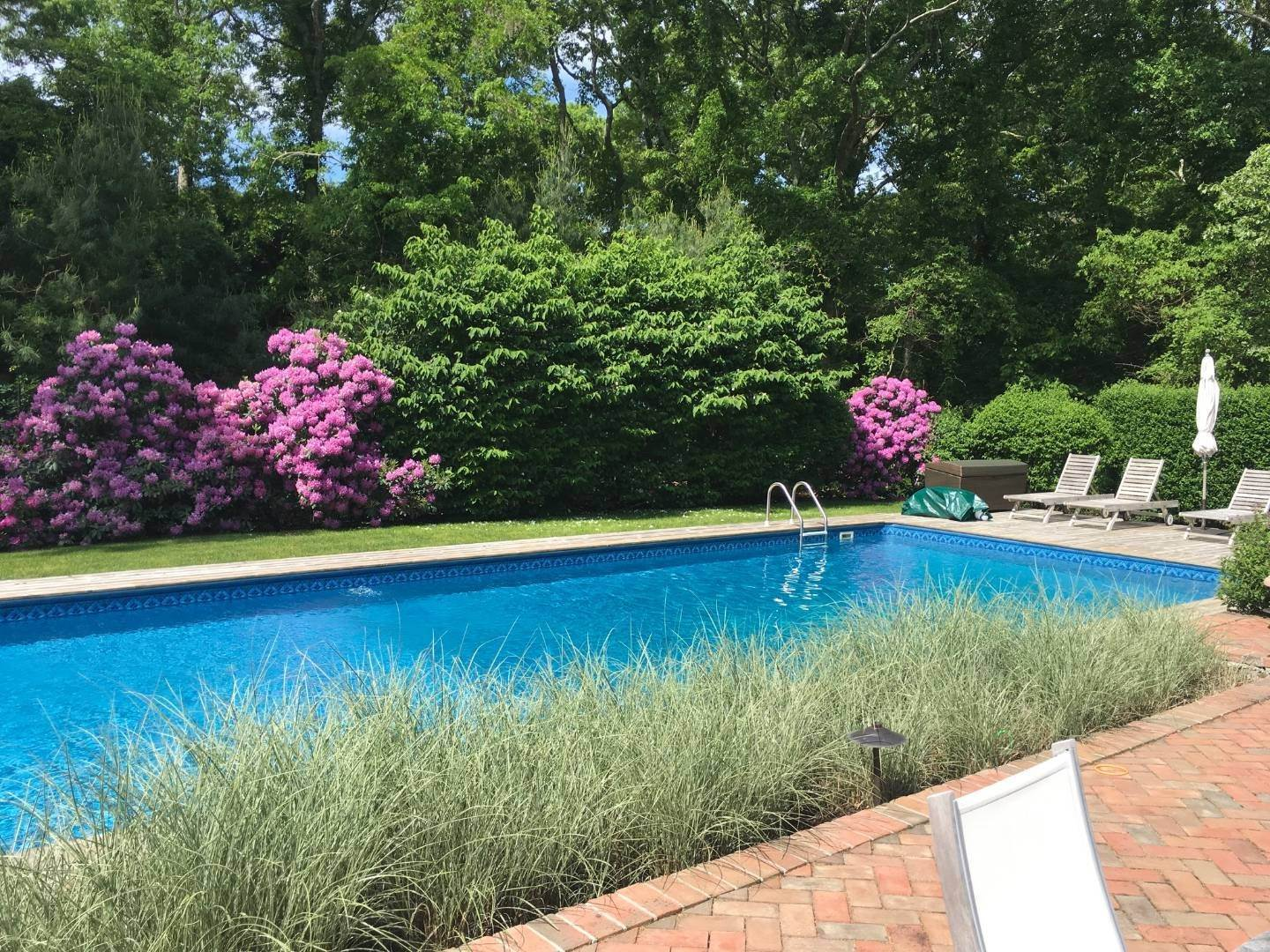 8. Single Family Home at Simply Perfect East Hampton, NY 11937