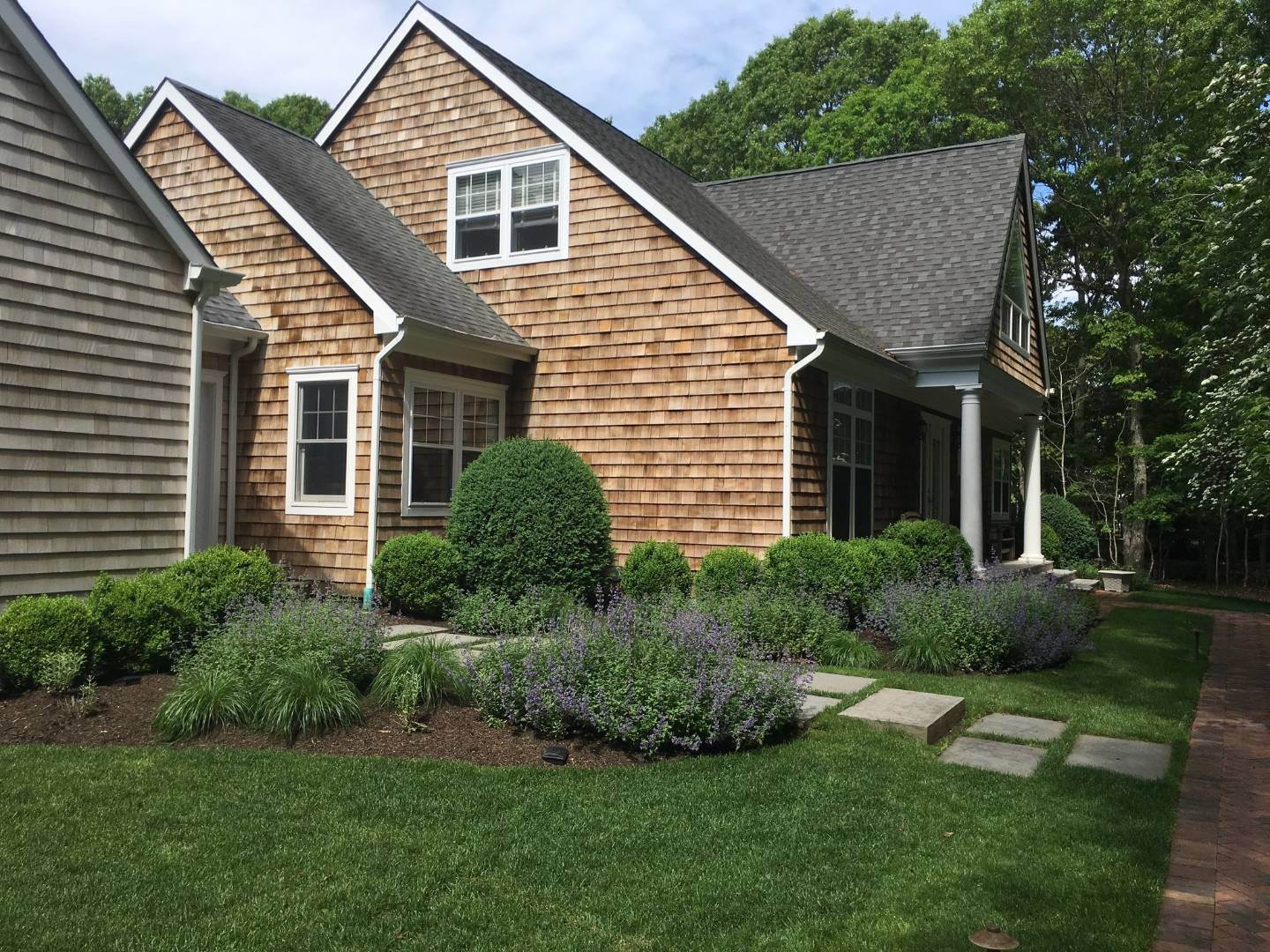 2. Single Family Home at Simply Perfect East Hampton, NY 11937