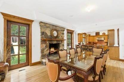 2. Single Family Home at Spacious 5 Bedroom, 4 Bath Home East Hampton, NY 11937