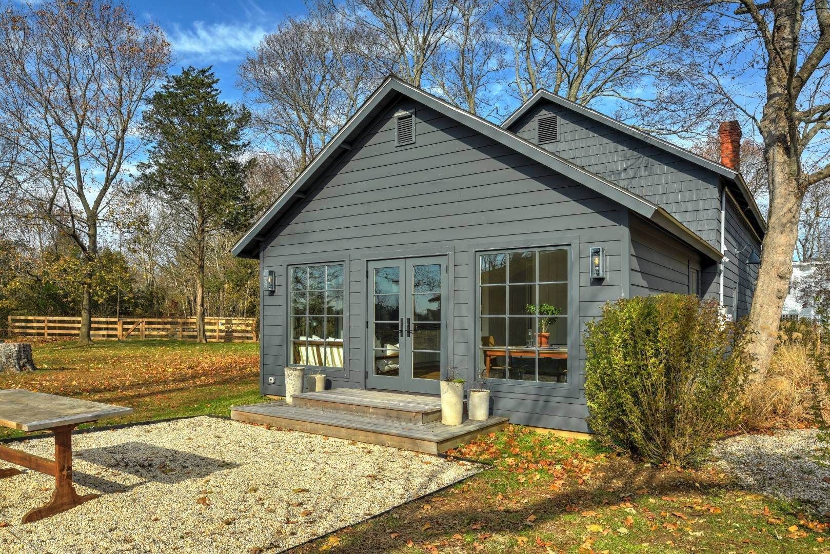 4. Single Family Home at Chic Contemporary Barn & Studio Cottage 1200 Indian Neck Lane, Peconic, NY 11958