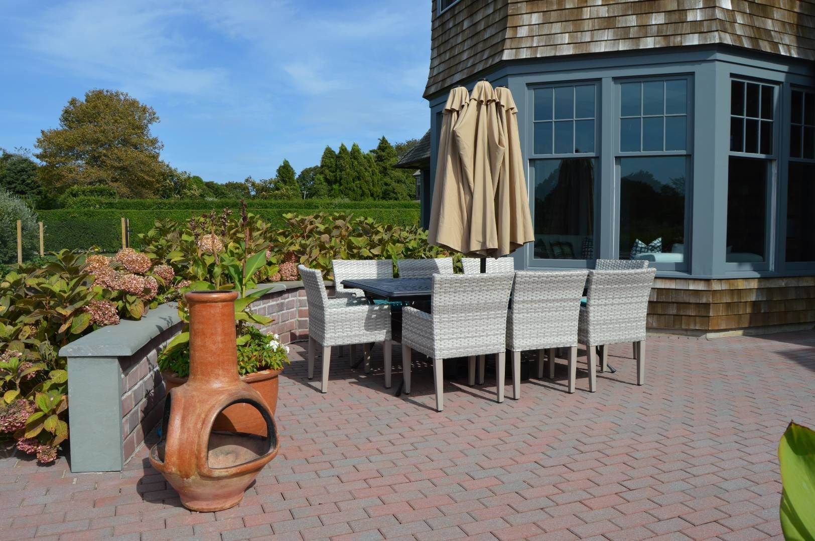 19. Single Family Home at Sagaponack Estate Pool And Tennis Sagaponack Village, NY 11962