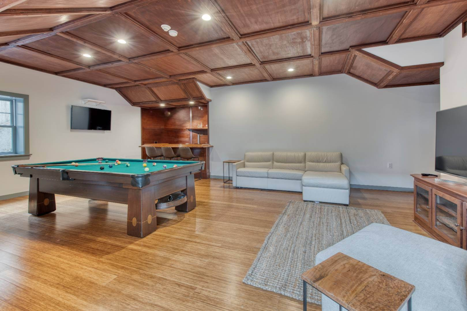 21. Single Family Home at Sagaponack Estate Pool And Tennis Sagaponack Village, NY 11962
