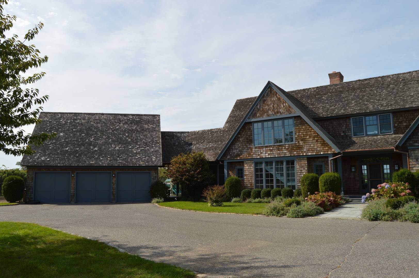 15. Single Family Home at Sagaponack Estate Pool And Tennis Sagaponack Village, NY 11962