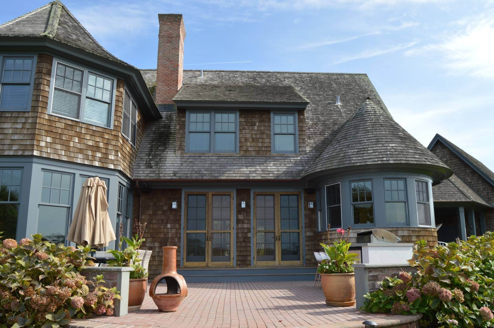 18. Single Family Home at Sagaponack Estate Pool And Tennis Sagaponack Village, NY 11962
