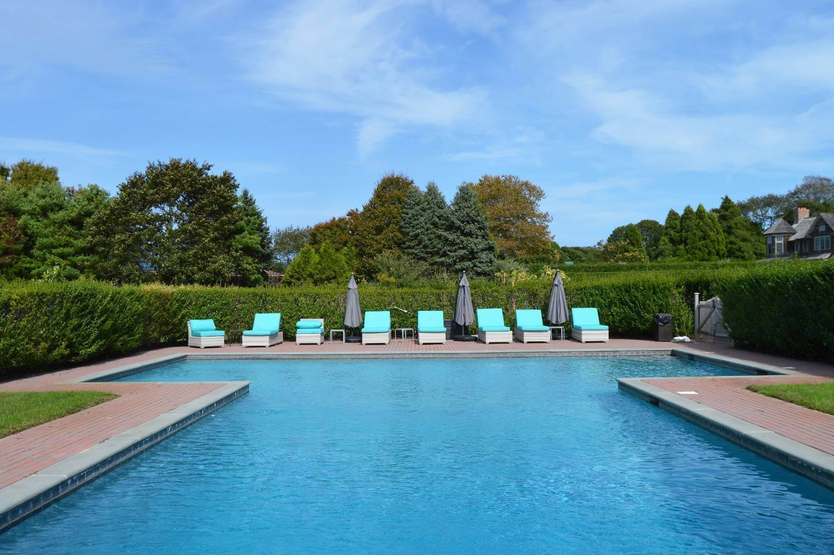2. Single Family Home at Sagaponack Estate Pool And Tennis Sagaponack Village, NY 11962