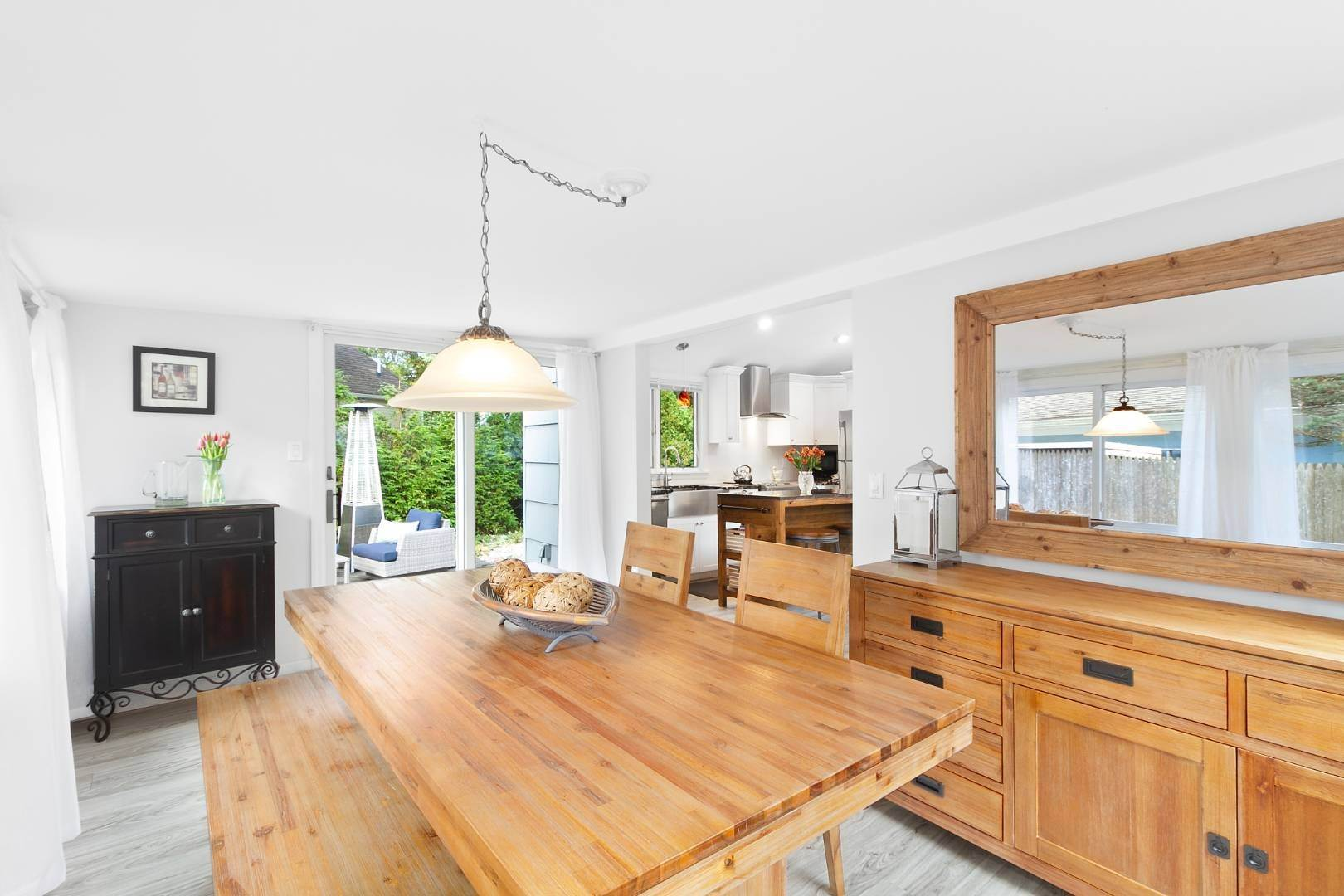 3. Single Family Home at Sag Harbor Beach Property For Rent 21 Elm Street, Sag Harbor, NY 11963