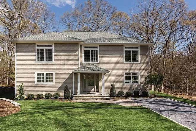 Single Family Home at Sag Harbor Traditional Sag Harbor, NY 11963