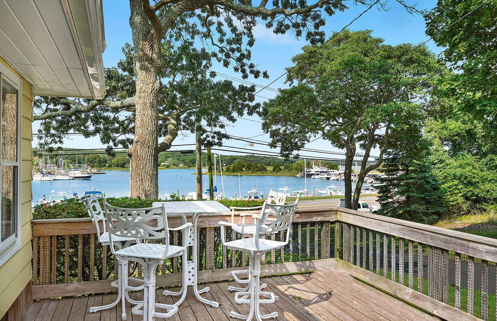 2. Single Family Home at Water View On Three Mile Harbor East Hampton, NY 11937