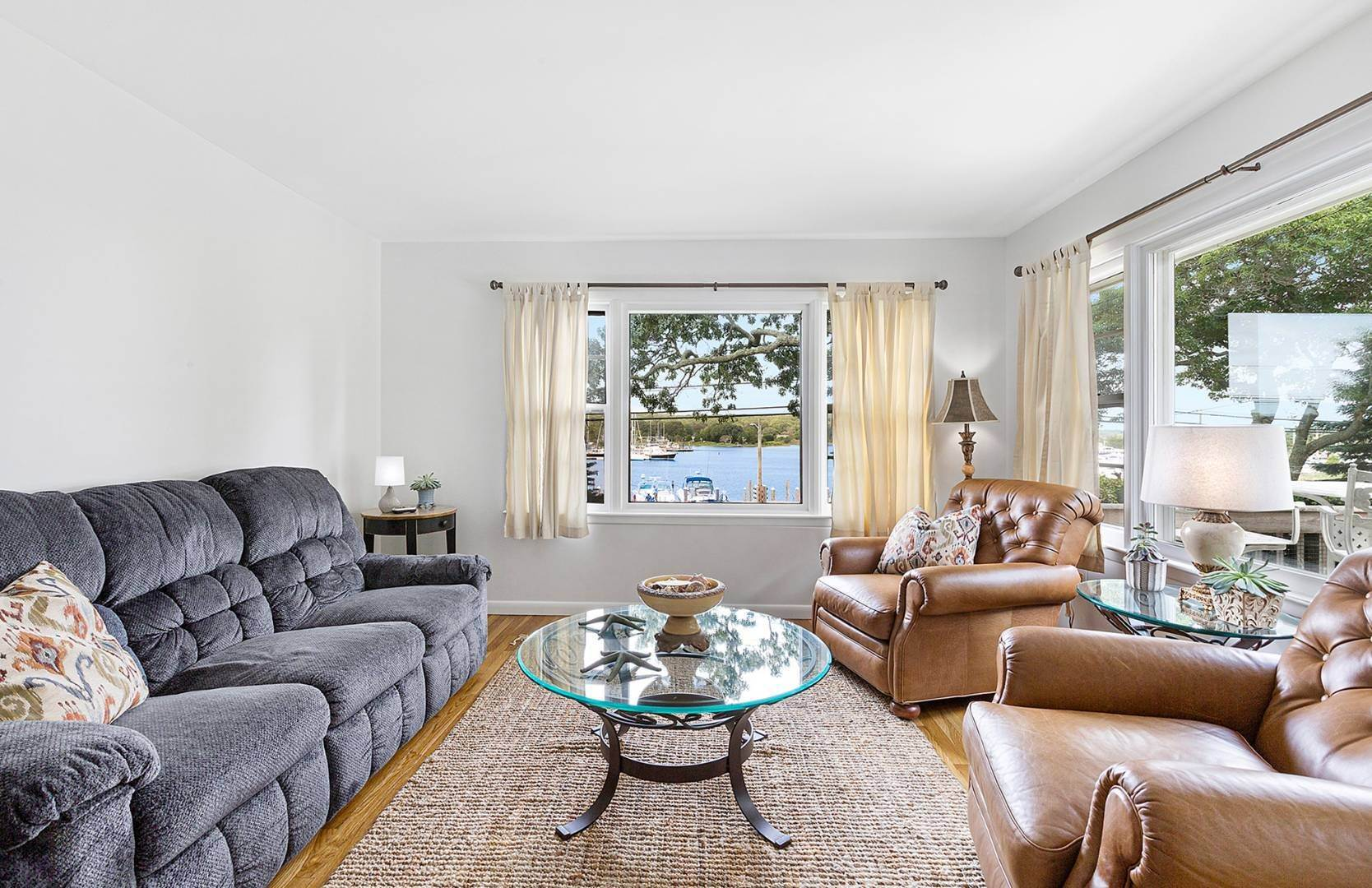 5. Single Family Home at Water View On Three Mile Harbor East Hampton, NY 11937
