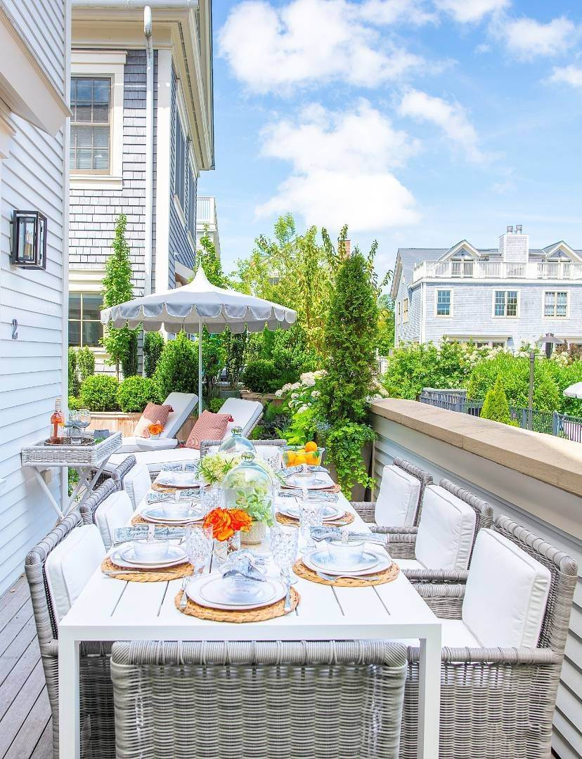 3. Condominiums at Watchcase Townhouse - Fall/Winter Rental 2 Sage Street, Sag Harbor, NY 11963
