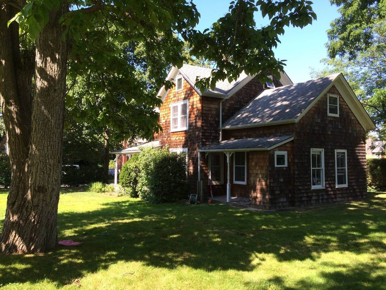 14. Single Family Home at Historic Village Home Close To Bay Beach 640 Orchard St, New Suffolk, NY 11956