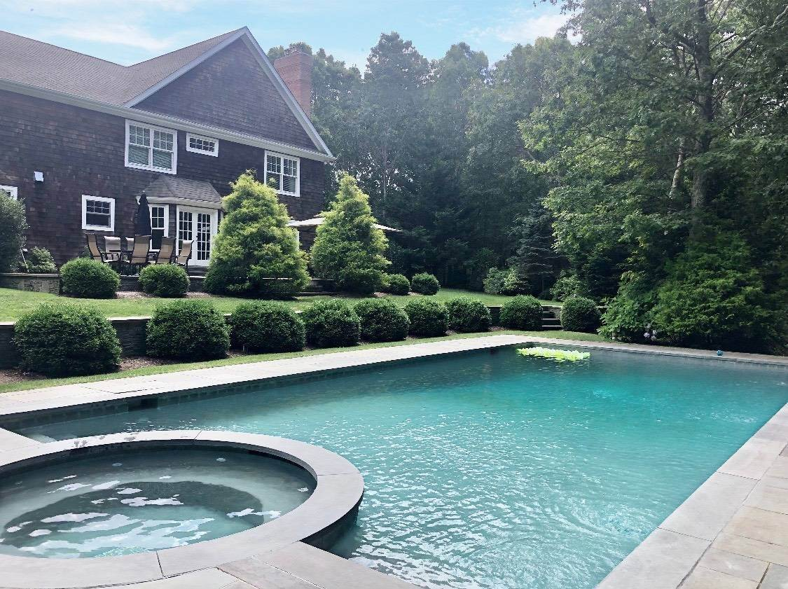 Single Family Home at Southampton Traditional Southampton, NY 11968