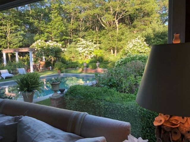 19. Single Family Home at Must See Garden Retreat Rental Oasis Southampton, NY 11968