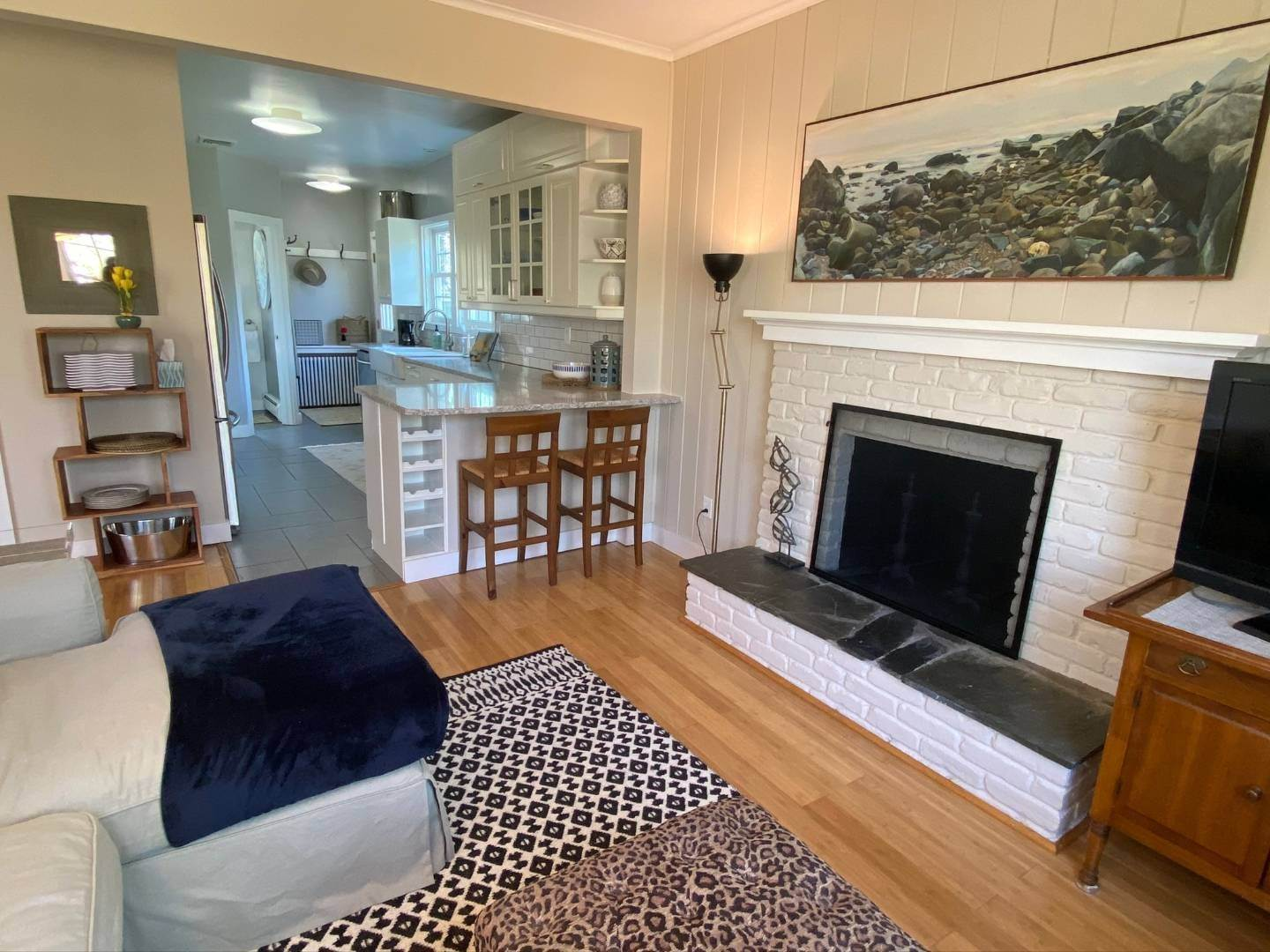 2. Single Family Home at Southampton Shores Southampton, NY 11968