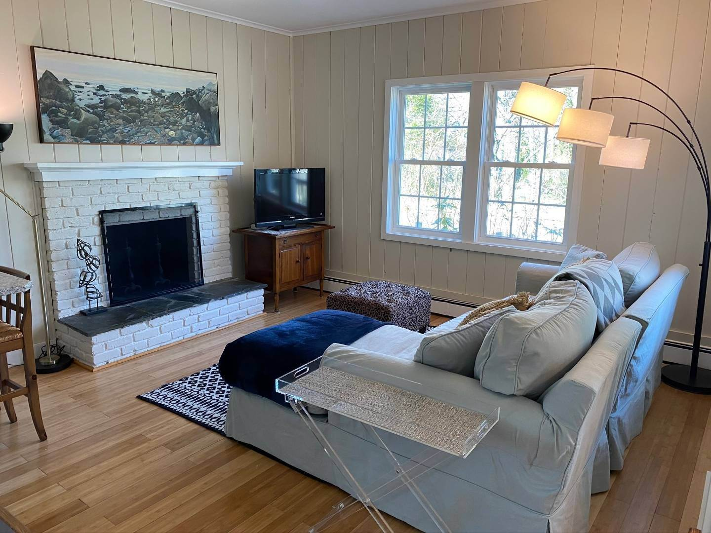 24. Single Family Home at Southampton Shores Southampton, NY 11968