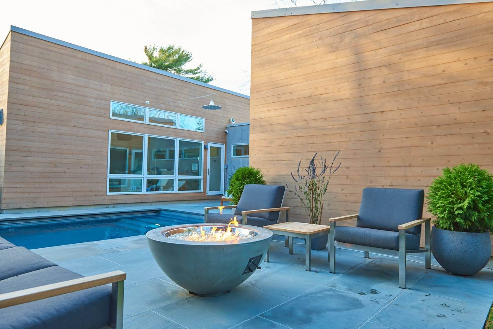 7. Single Family Home at Pine Neck Modern Comfort 30 Birch Street, Sag Harbor, NY 11963