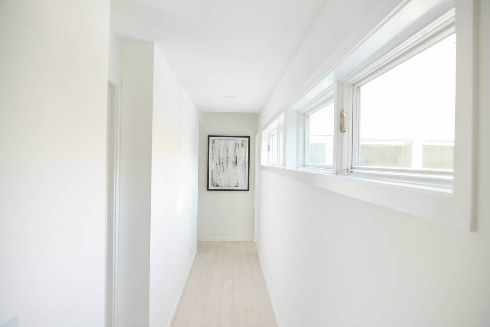12. Single Family Home at Pine Neck Modern Comfort 30 Birch Street, Sag Harbor, NY 11963