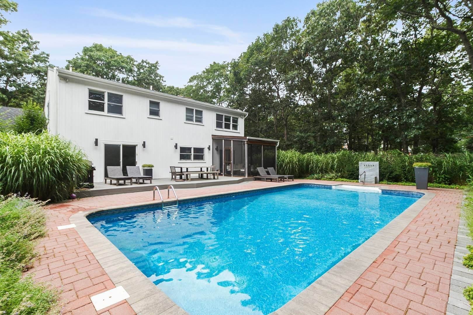2. Single Family Home at Chic Contemporary Available Year Round 102 Montauk Boulevard, East Hampton, NY 11937