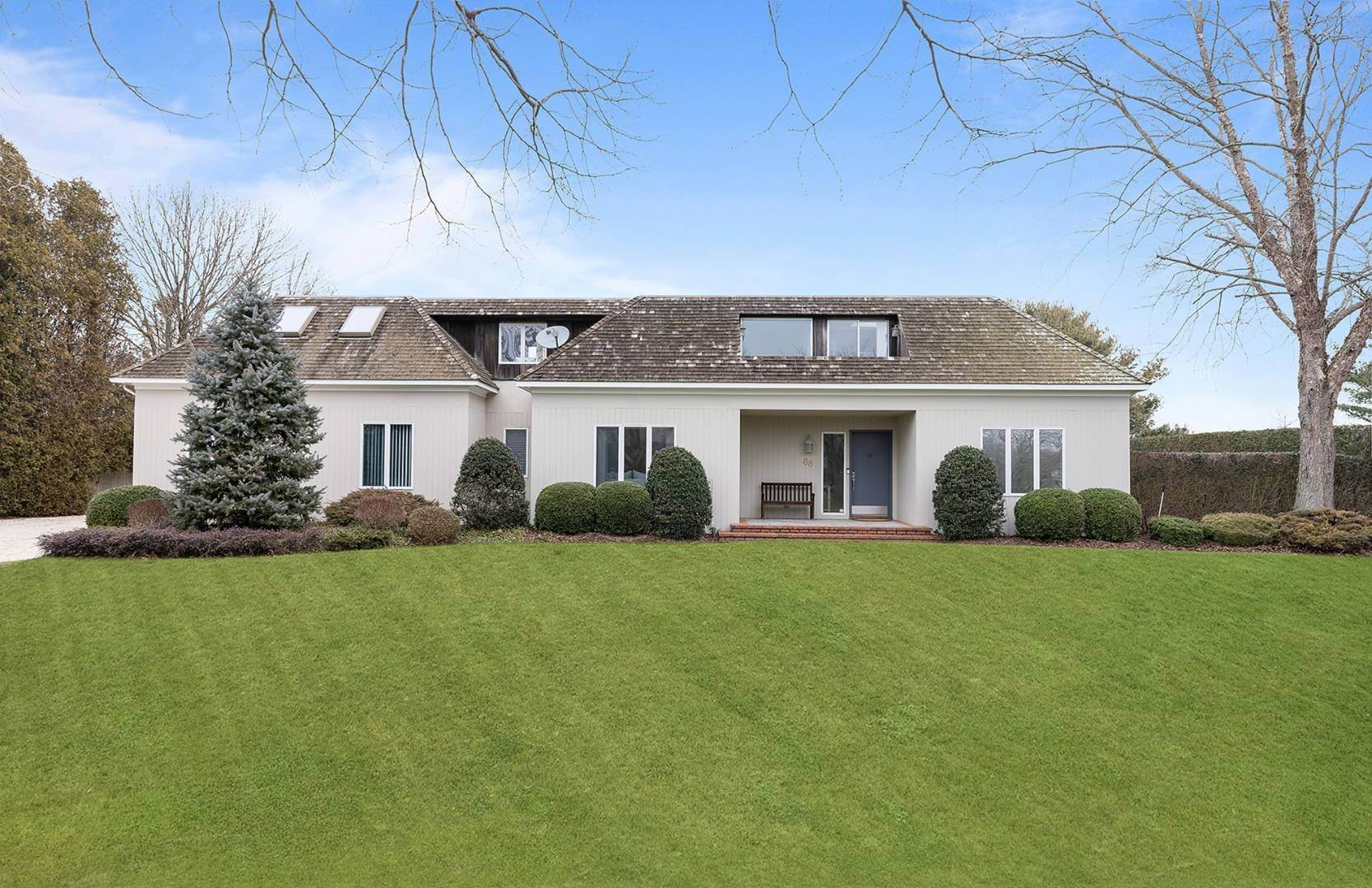 24. Single Family Home at French Country Modern Perfection 88 Potato Field Lane, Southampton, NY 11968