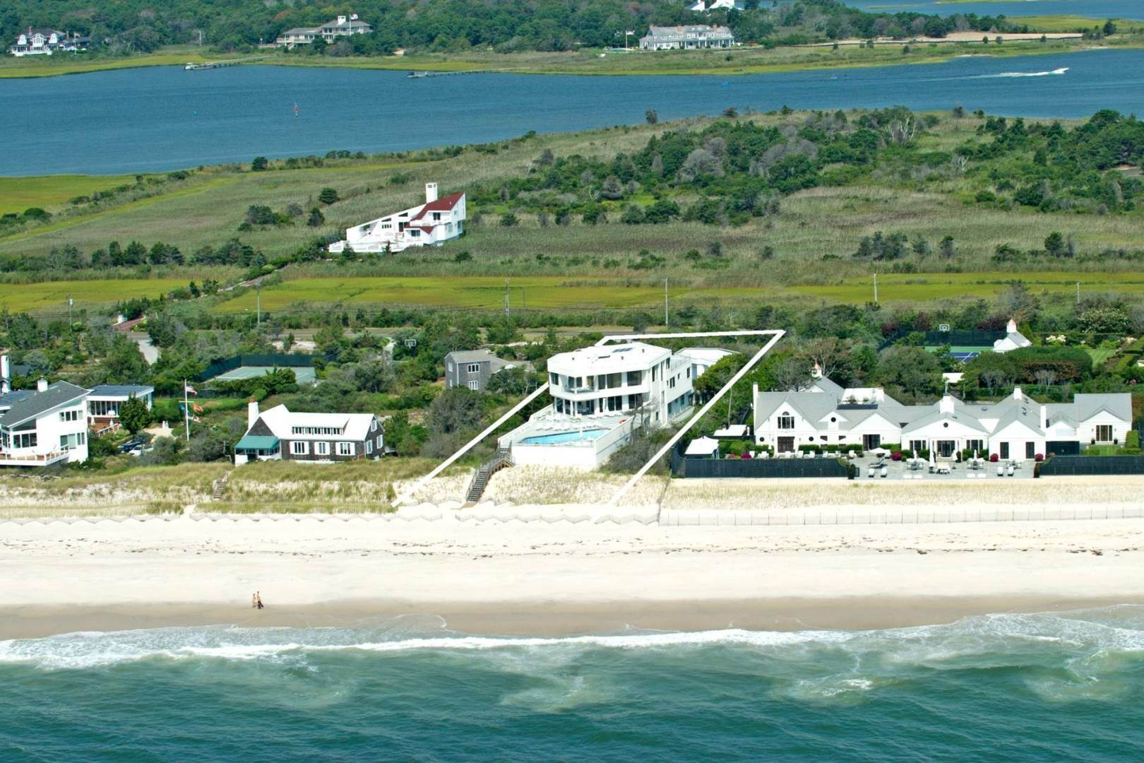 14. Single Family Home at Quogue Spectacular Oceanfront Bay Views Quogue Village, NY 11959